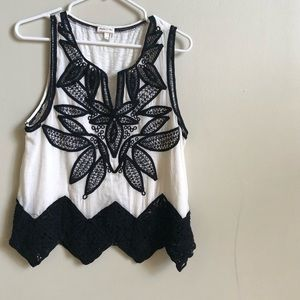 Anthropologie size m  sleeveless embroidered top